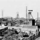 Panorama der Zeche Osterfeld von 1922. Schornsteine und Fördertürme der Gutehoffnungshütte sind zu erkennen.